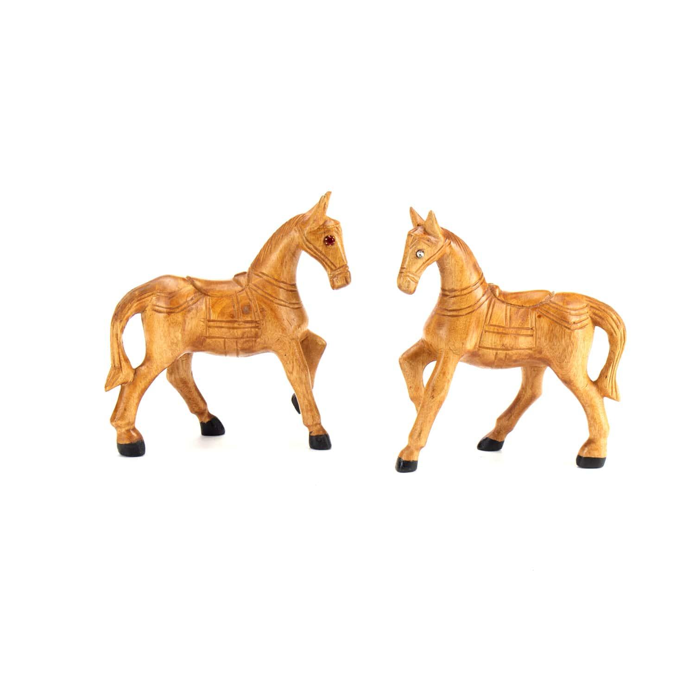 ม้าเดินในตาอัญมณี